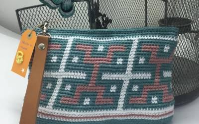 Crochet bag pattern DIY Azteca style.