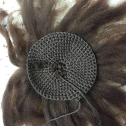 pelo del craneo amigurumi