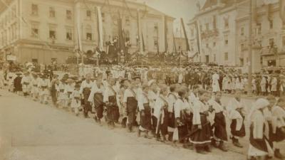 Історик показав унікальну світлину зі святкування Дня міста у Чернівцях 107 років тому