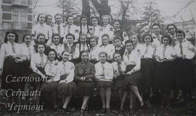 Про Чернівці в старих фото. Школа № 9.