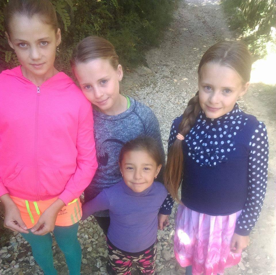 În prag de iarnă, cu patru copii în stradă