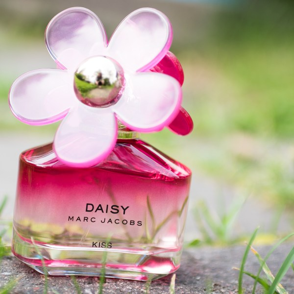 marc jacobs daisy kiss