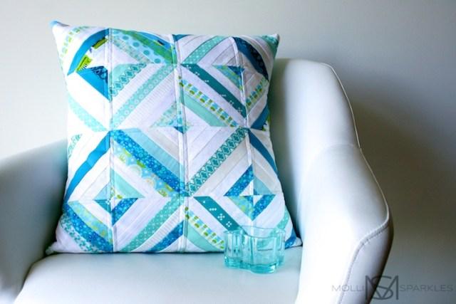 molli_sparkles_string_cushion_01