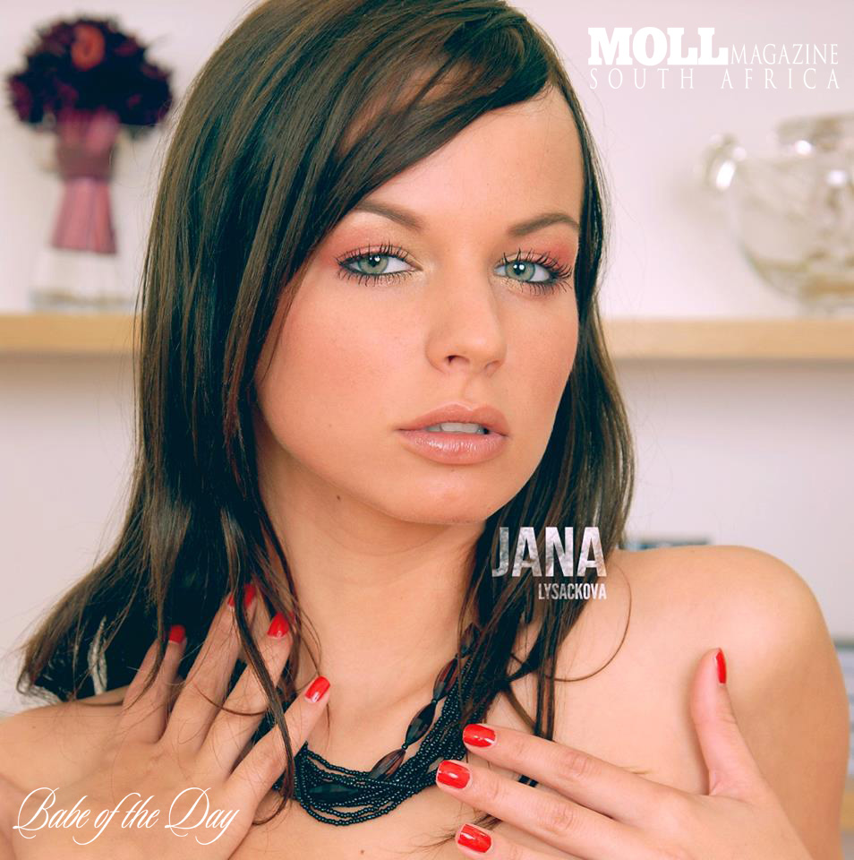 Music Beats and Beauty with #MOLLBABE |  Jana Lysáčková AKA DJ Vampire