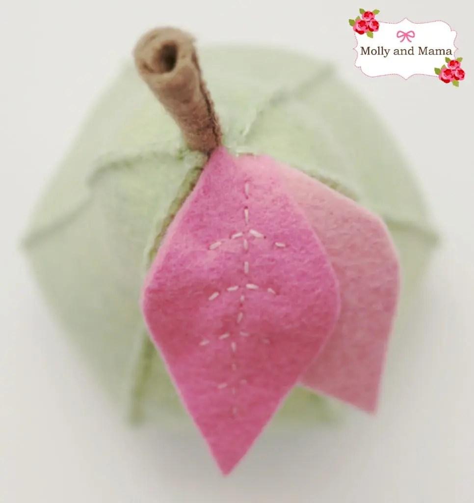 Cute little felt pear tutorial by Molly and Mama