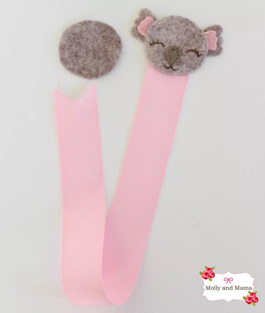 Add Ribbon to the Felt Koala2