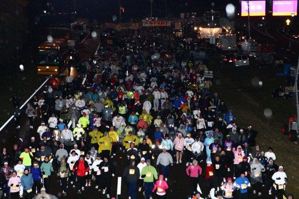 crowded race start photo