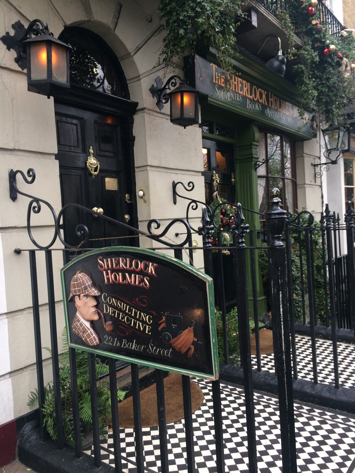 221b baker street in london with sherlock holmes lived