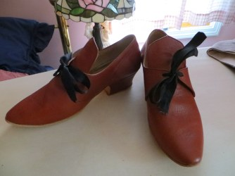 rusty brown leather tied shoes from Fugawee. I could get away with these for 17th century also.