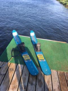 Jodi Ski Skool Ski's-min