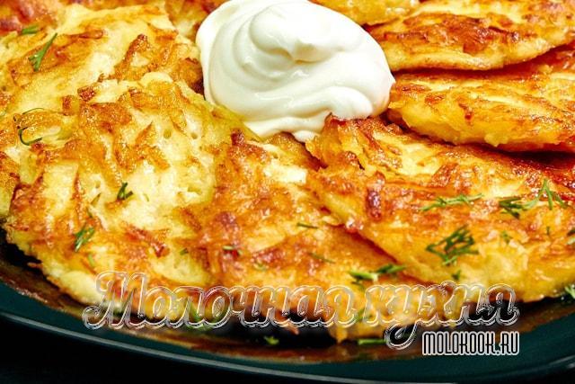 Možnost vaření s přidáním česneku a sýrů