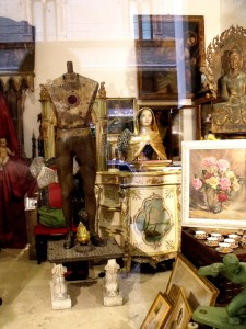 Italy: better antique shopping