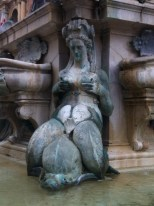 Interesting statue detail, of the fountain in the last pic
