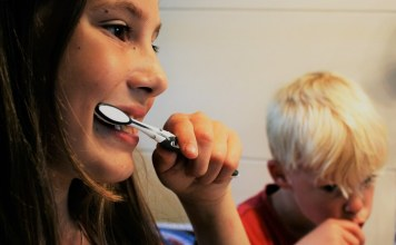 Children's oral health hygiene routine
