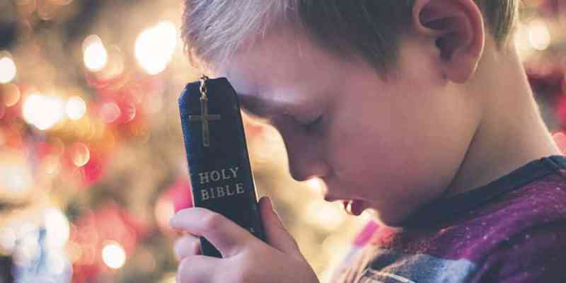 how to teach your child to pray