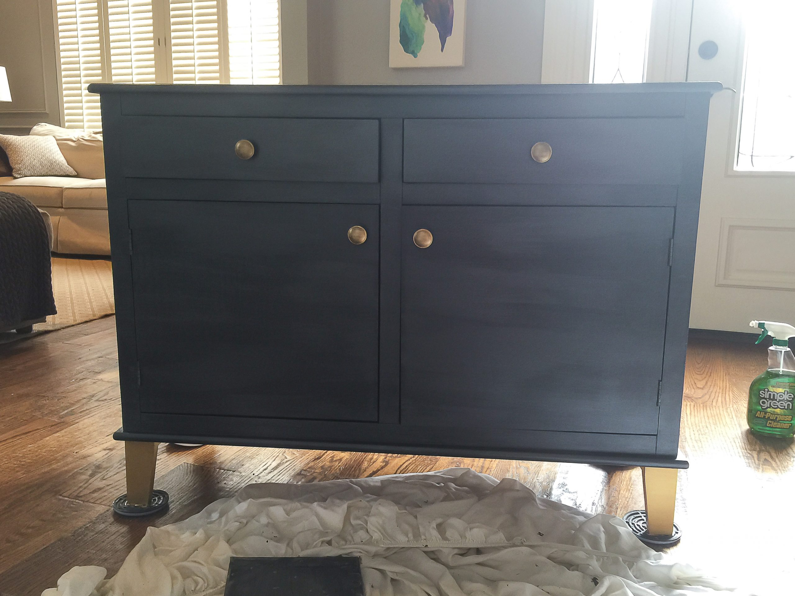 How to Paint an old TV Credenza 2