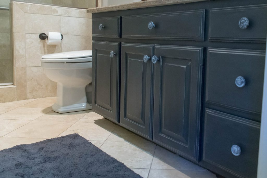 chalk paint on bathroom cabinets