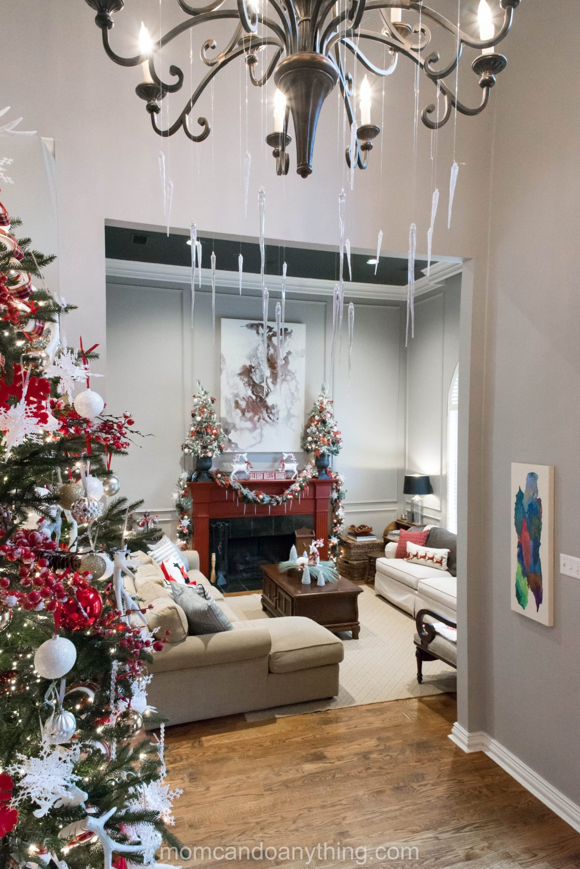 Christmas Chandelier Decoration Ideas_Mom Can Do Anything (2 of 7)
