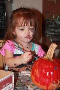 pumpkinpainting2013 033