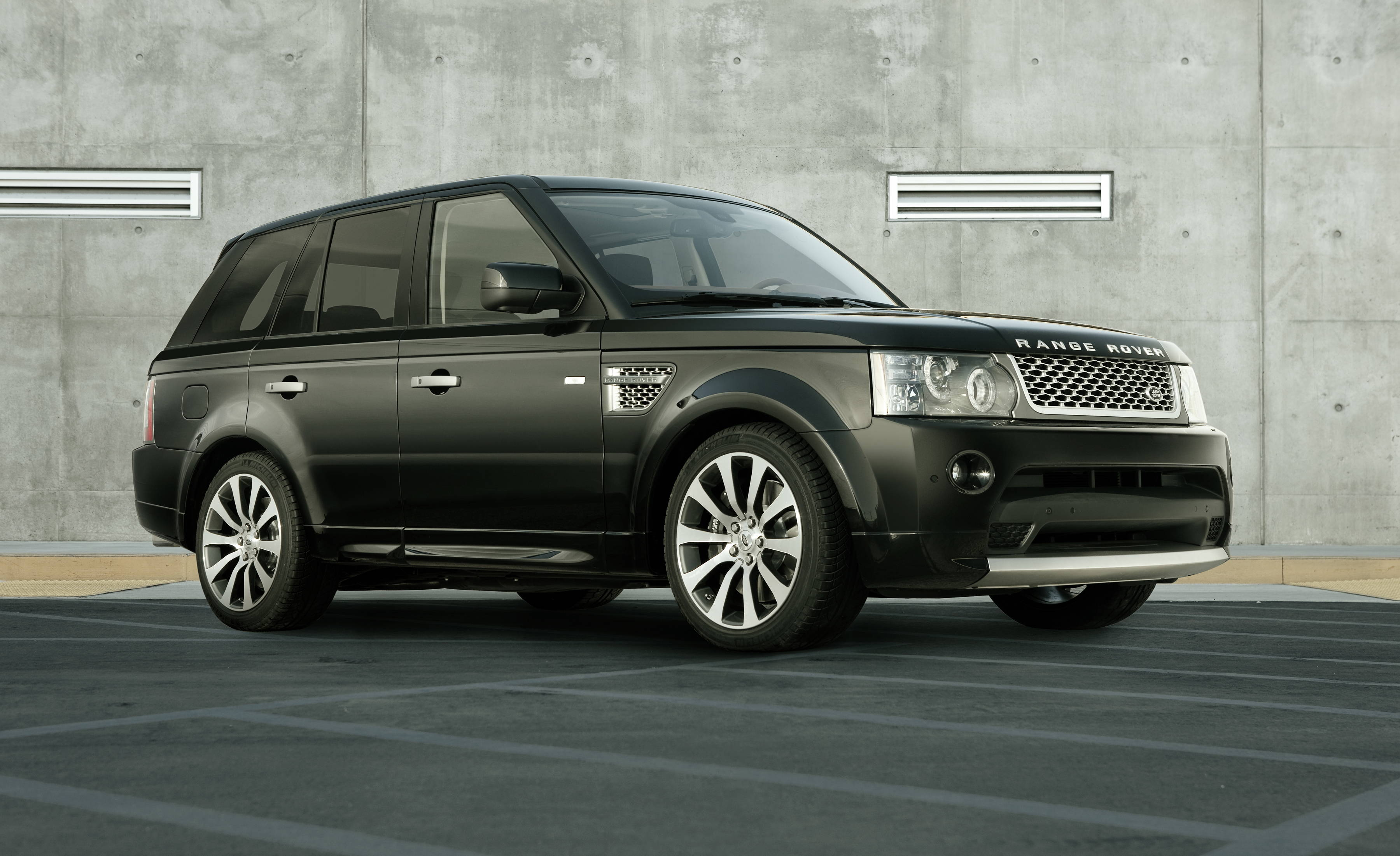 Land Rover Range Rover Sport Information and photos MOMENTcar