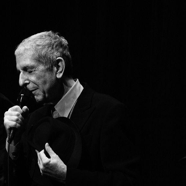 Leonard Cohen singing