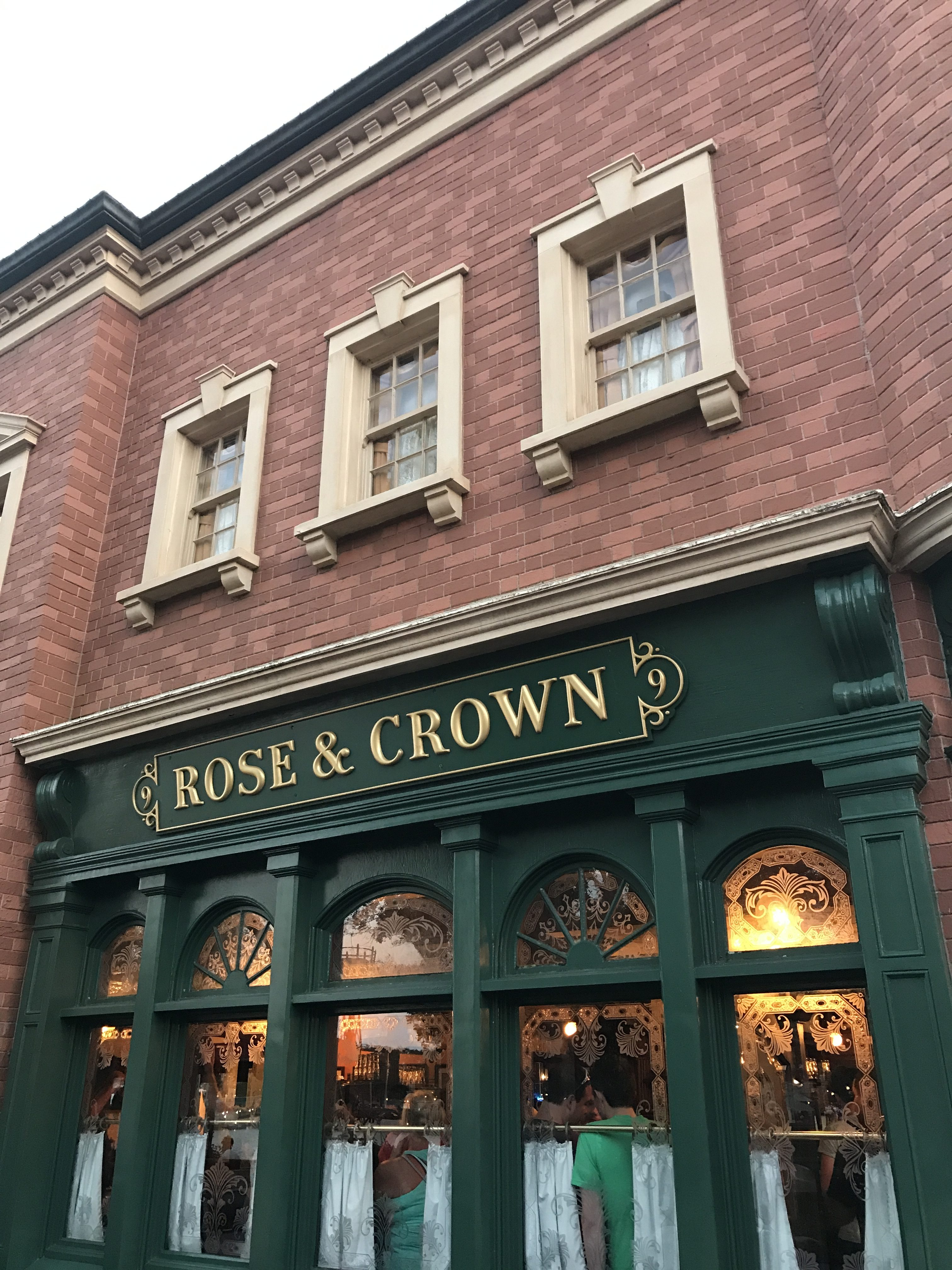 Rose and Crown Pub and Dining Room in Epcot