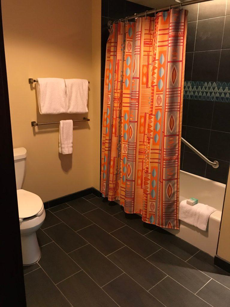 Disney's Polynesian Deluxe Villa studio Bathroom