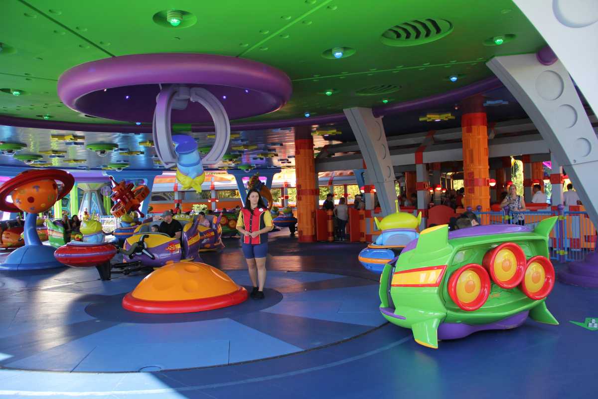 Alien Swirling Saucers Hollywood Studios