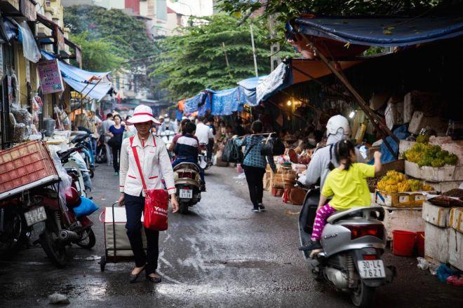 Hanoi-Dong Xuan Market-2