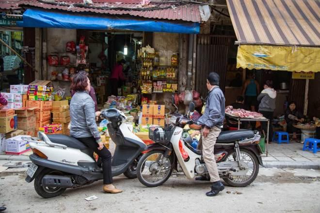Hanoi-Dong Xuan Market-3