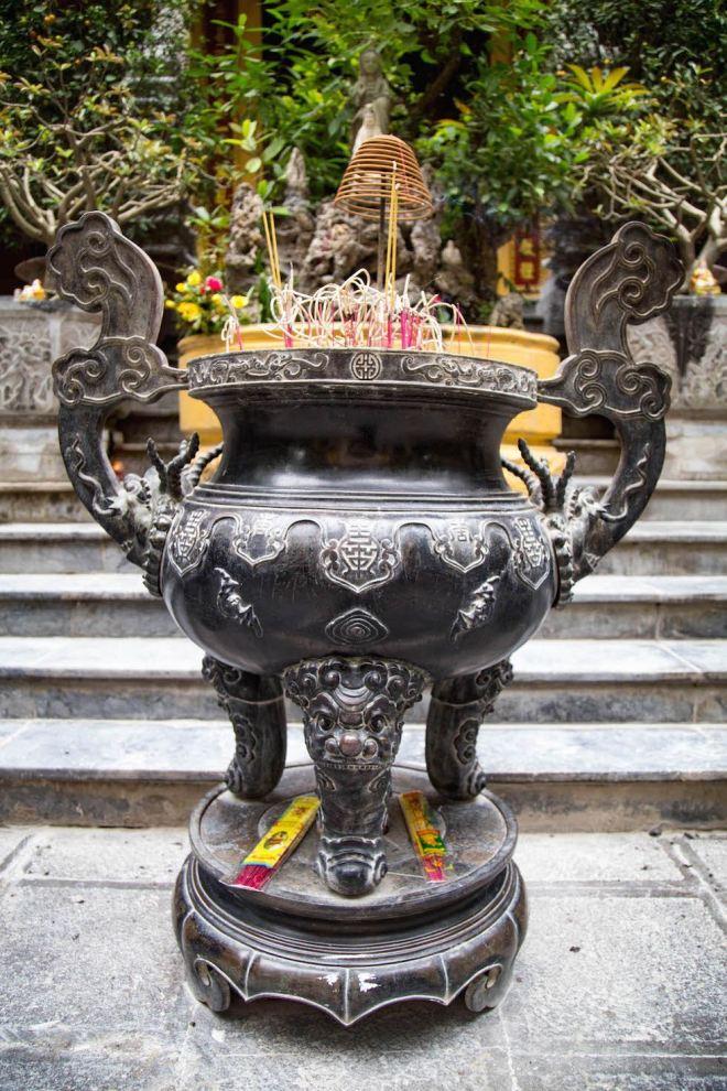 Hanoi-moments of yugen-pagoda