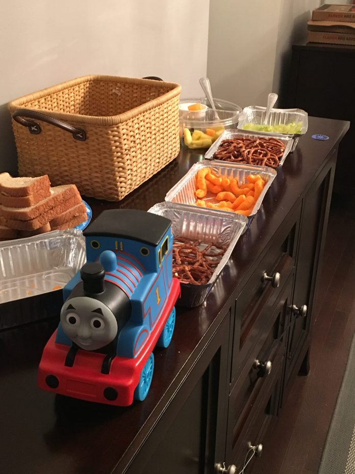 Train Themed Birthday Party Ideas. Thomas the Tank Engine birthday party ideas. Train party. Thomas party. Get some awesome ideas about how to throw a train party that your kid's friends will love!