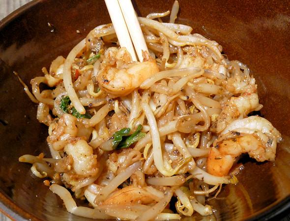 shrimp and bean sprout stirfry under 150 calorie meals. Black Bedroom Furniture Sets. Home Design Ideas