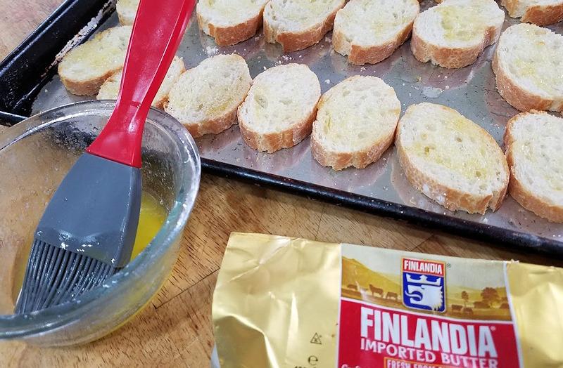 Crostini buttered