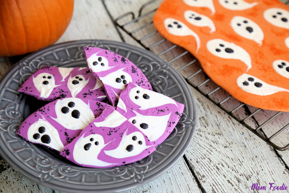 Halloween Ghost Candy Bark