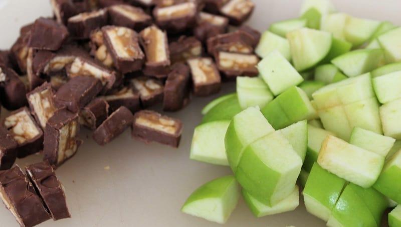 Snickers Caramel Apple Pie - Easy No Bake Dessert - chopping