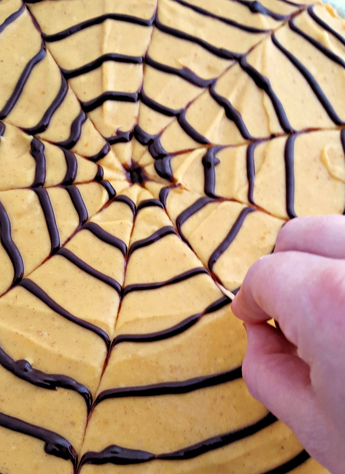 Spider web cookie pizza making web