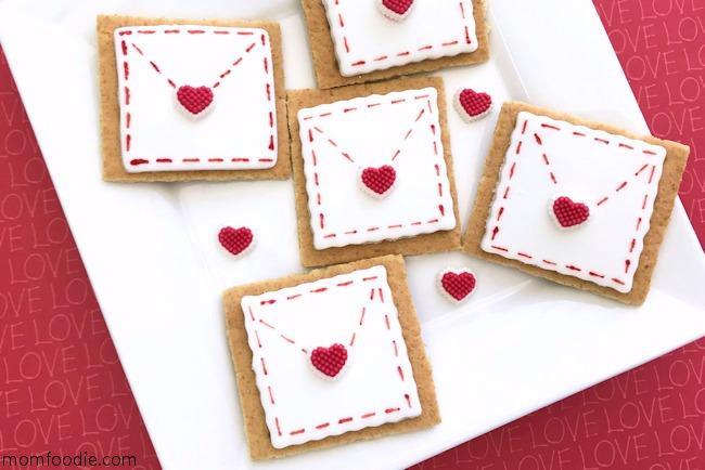 Valentine treats graham crackers