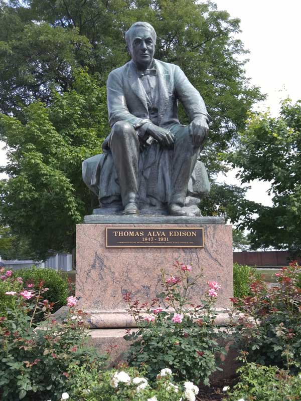 Thomas Alva Edison Statute. Photo by Kandas Rodarte.