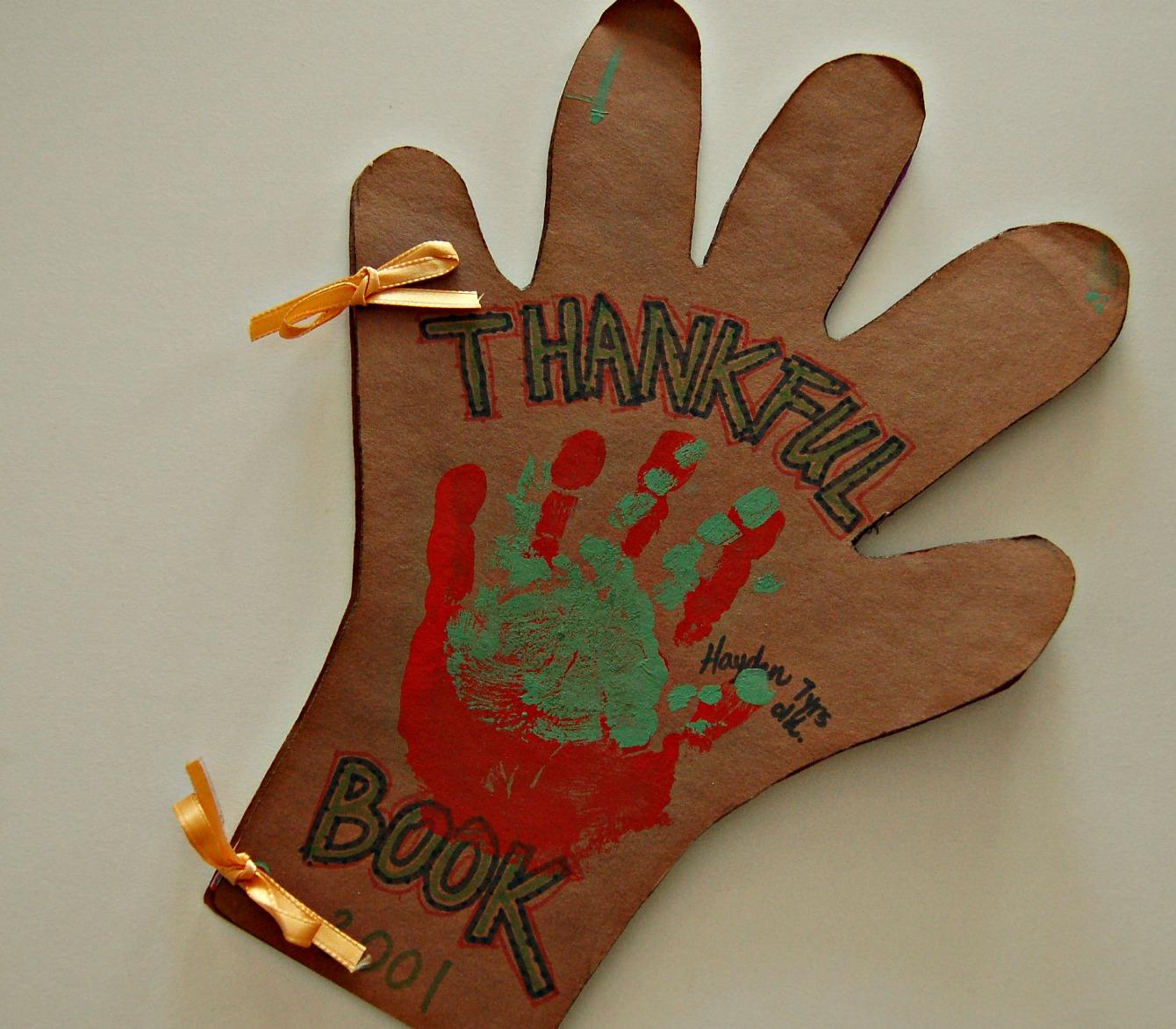 Gratefulness Thankful Hands Kid Friendly Craft Projectmom It Forward