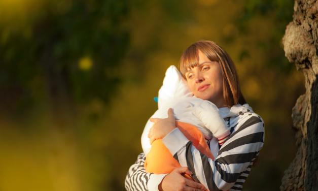 4 Tips If You're Overwhelmed By Motherhood!