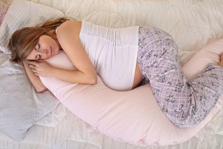 """Résultat de recherche d'images pour """"african american pregnant maternity pillows"""""""