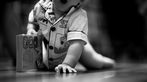 寶寶學坐爬站走四部曲 1