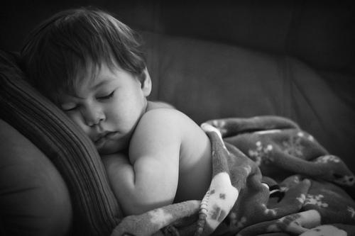 嬰兒感冒咳嗽了!如何幫嬰兒拍痰? 1