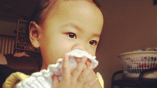 小孩流鼻血的原因及處理方法 1
