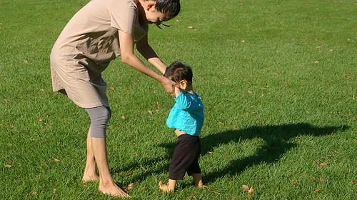 寶寶學走路過程及時間!陪伴跨出人生的第一步 1