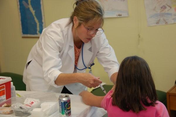 104年版兒童健康手冊誤植A型肝炎疫苗接種間隔時間