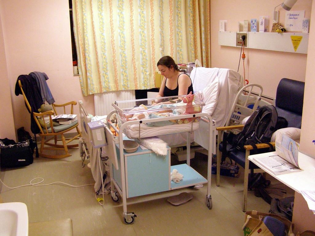 月子中心群聚感染 產婦控訴瞞病情