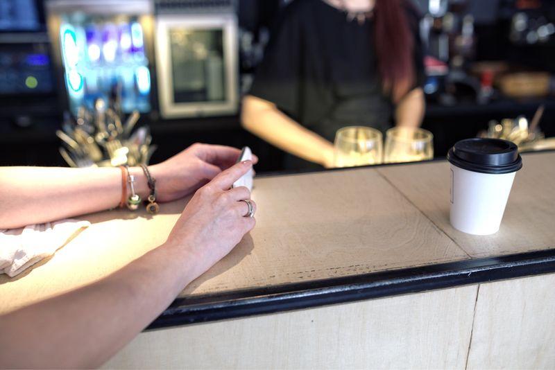 咖啡杯蓋致癌?! 咖啡杯蓋材質什麼才安全?