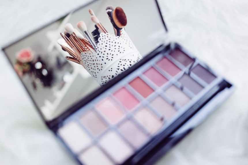 化妝品有含防腐劑會加速皮膚老化是真的嗎?